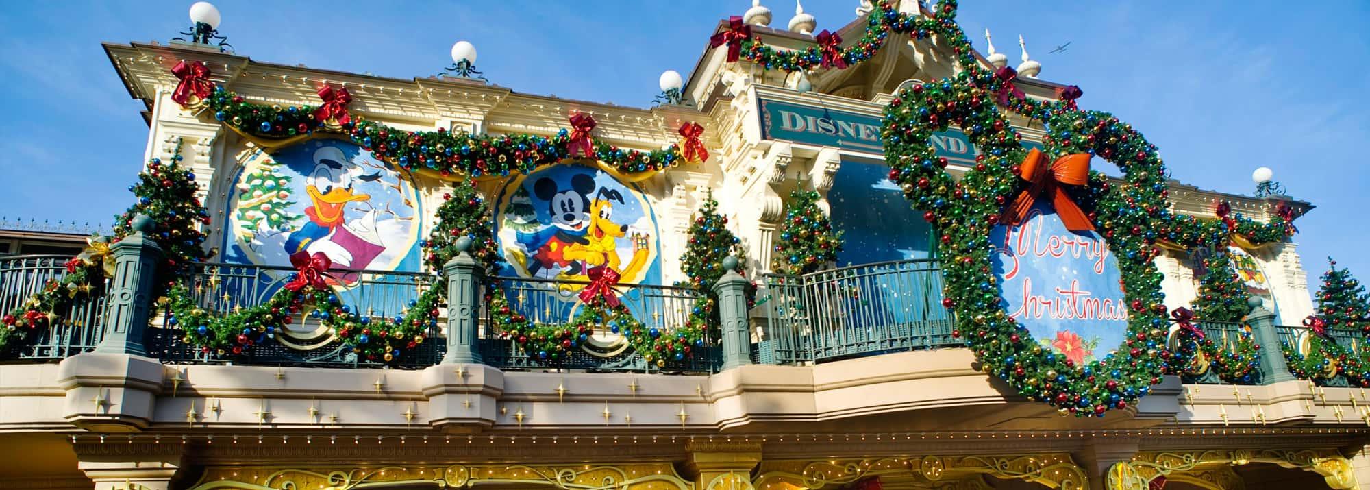 Christmas In Disneyland Paris.Christmas School Trips And Tours To Disneyland Paris France